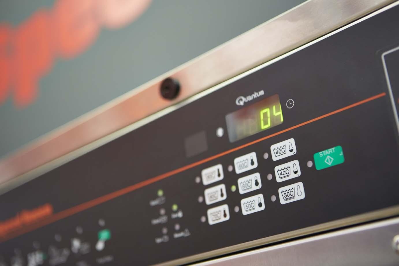 Machine à laver Speed Queen à Paris 2