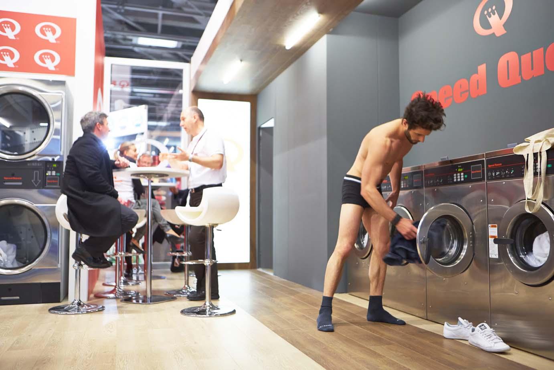 Démonstration laverie Speed Queen à Paris 5