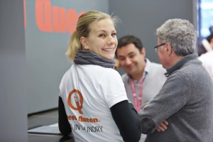 Speed Queen employee at the Speed Queen stand at expo-franchise Paris 1