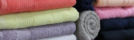 Wie man handtücher in der maschine wäscht