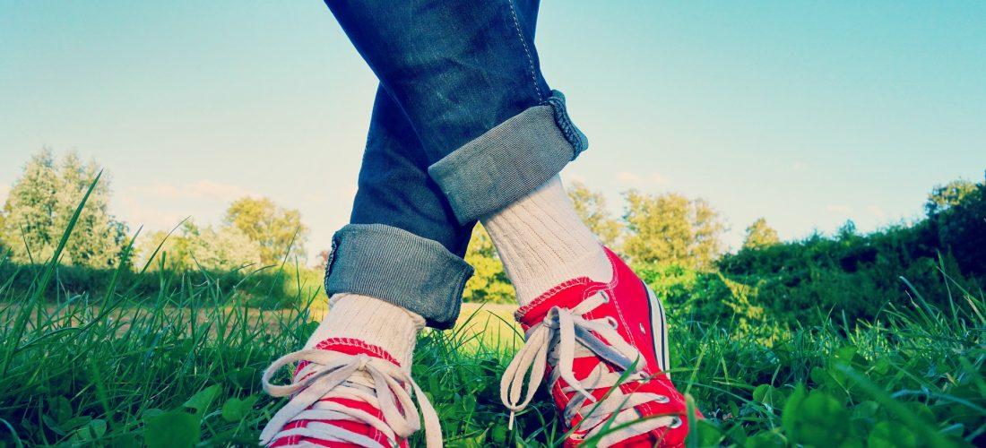Come rimuovere le macchie d'erba dai jeans