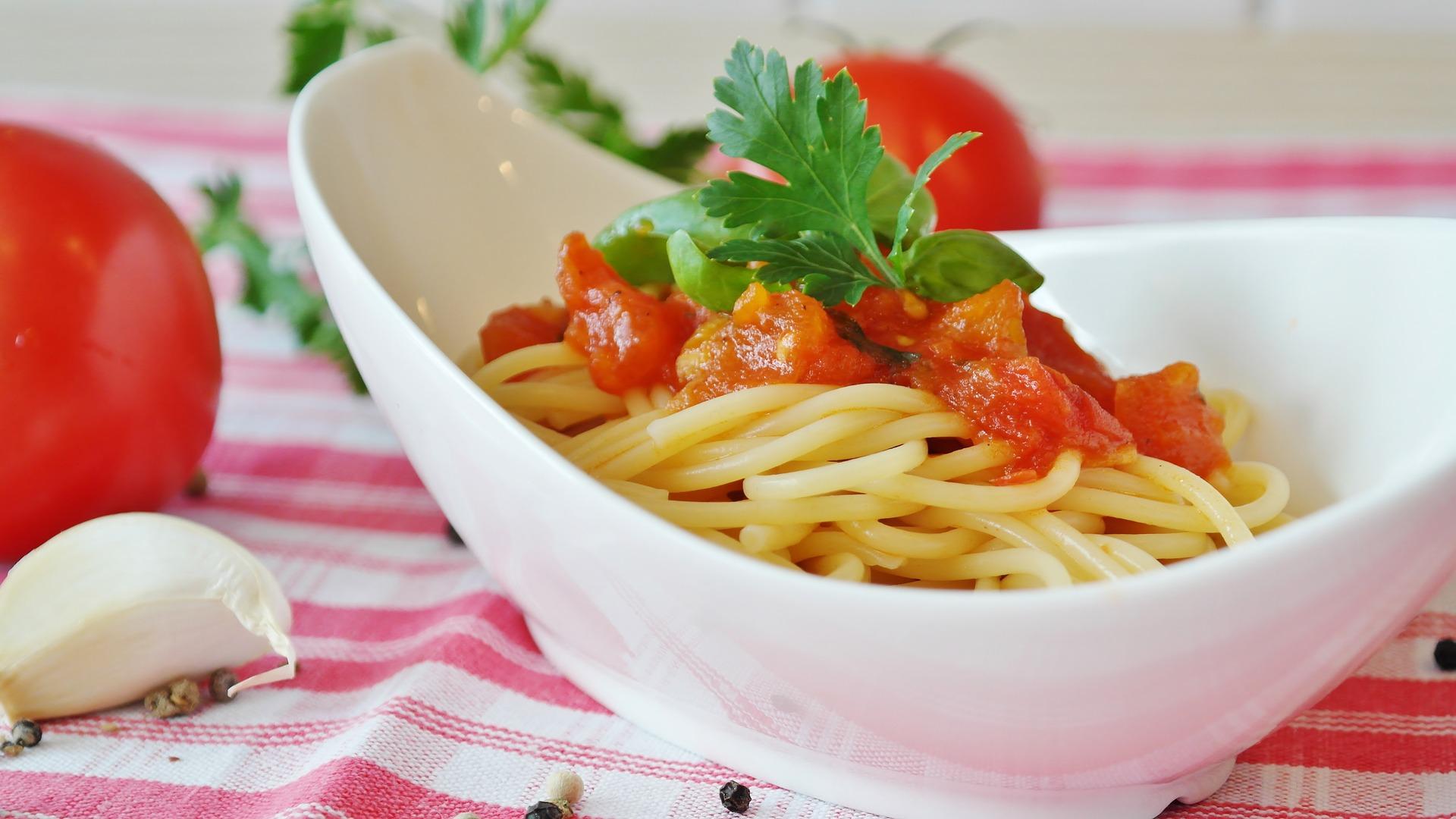 como limpiar una mancha de salsa de tomate o de ketchup